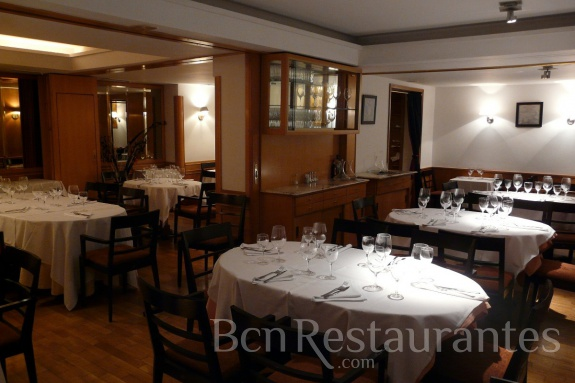Restaurante vinya rosa argentina wine art restaurant for Artistic argentinean cuisine