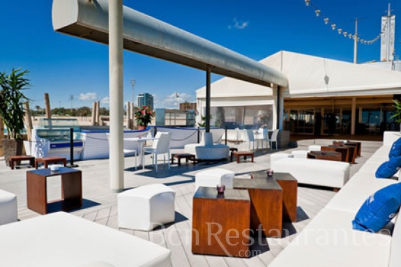 Restaurante boo beach club barcelona for Beach club barcelona