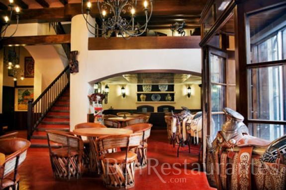 Restaurante los azulejos barcelona for Restaurante azulejos