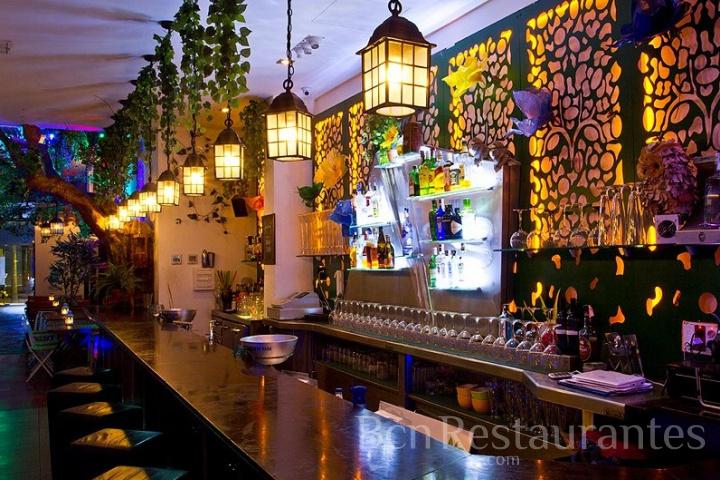 Restaurante el jardinet d 39 aribau barcelona tel 930 173 342 for Bar jardin barcelona