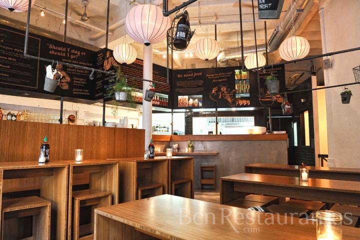 Restaurante la vietnamita born barcelona for Sillas para local de comidas rapidas