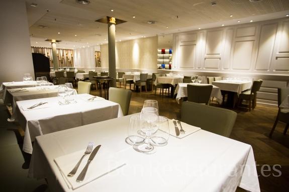 Restaurante cullera de boix rambla barcelona tel for Restaurante cullera de boix