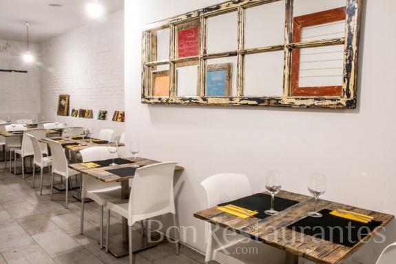Restaurante 4 plats i punt barcelona tel 931768972 - Restaurante al punt ...